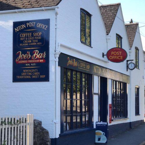 Joe's Bar